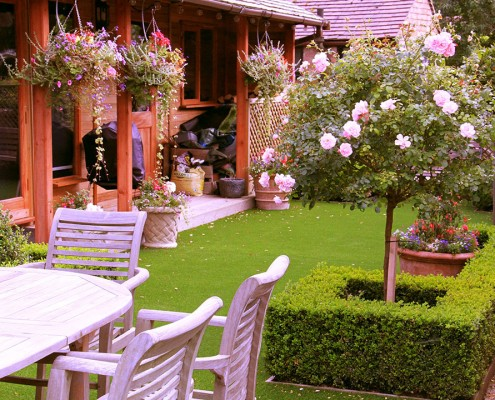 Beautiful artificial lawns by Luxolawn, a Turf King company. Turf King is a family run business dedicated to excellence in artificial grass